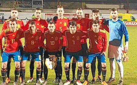 Fabián, con el ´5´, fue titular con España sub 21.