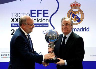 El Real Madrid recibe el Trofeo EFE al mejor club iberoamericano
