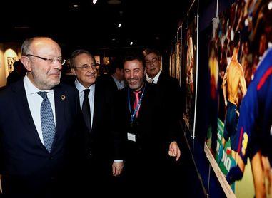 """""""Ronaldo, el Menino de oro"""", muestra gráfica sobre CR7 abierta en el museo EFE"""