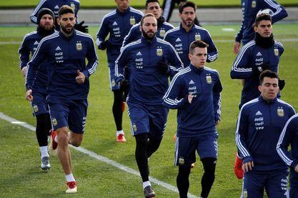 La Argentina de Messi desafía la espiral de ilusión de la Roja