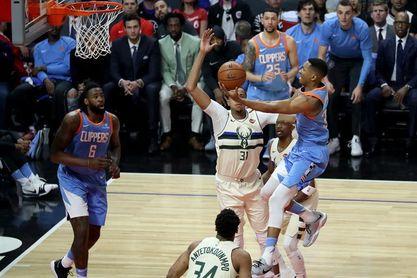 105-98. Harris lidera el ataque ganador de los Clippers en la lucha por jugar los playoffs