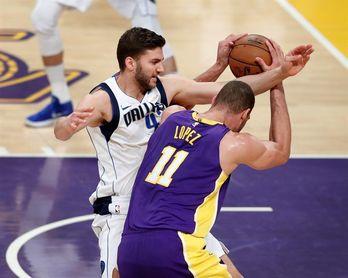 103-93. López lidera la victoria de los Lakers