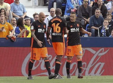 Rodrigo marca por cuarta jornada consecutiva y alcanza los catorce goles