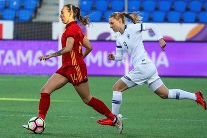 0-2. España agranda el pleno y da otro paso hacia Francia 2019