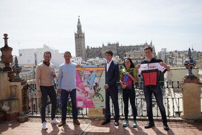 Unos 800 deportistas participan en el V NutriSport Half Triatlón de Sevilla