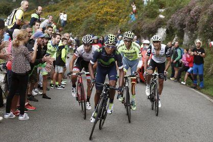 """La Vuelta """"corona"""" su paso por Asturias con final de etapa en Los Lagos"""