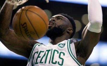 111-104. Brown y los Celtics detienen la mala racha