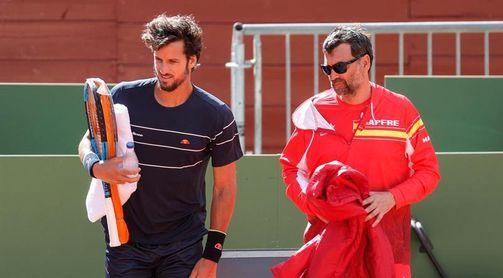Bruguera mantiene su pareja de dobles y reserva a Nadal