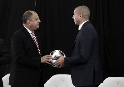 El trofeo de la Copa del Mundo llega a Costa Rica por tercera vez