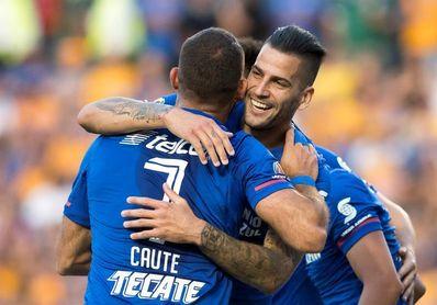 Cauteruccio celebra su cumpleaños con un doblete en el empate de Cruz Azul y Tigres