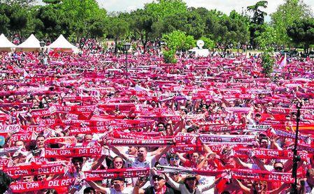 La fan zone del Sevilla para la final de Copa, en Canillejas