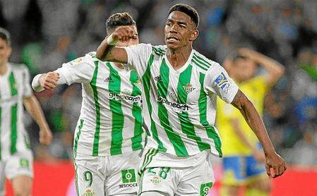 Junior celebra su gol en el último suspiro del partido.