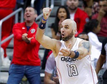 Los Spurs logran un triunfo especial; Cavaliers, Bucks y Wizards empatan las series