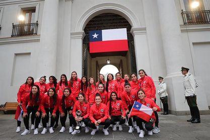 Piñera recibe a la Roja que pasa a un Mundial por primera vez en su historia