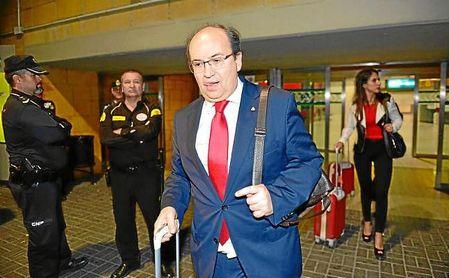 Castro, anoche a su llegada a Sevilla.