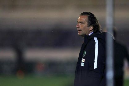 "Pizzi trata de ""dar armas futbolísticas"" a Arabia Saudí"