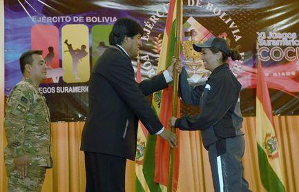 Bolivia presenta un equipo militar que vuelve a competir después de 41 años