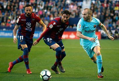 Iniesta, en su última titularidad como culé; Messi estará en el banquillo