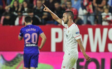 Sarabia celebra un gol con el Sevilla esta temporada.