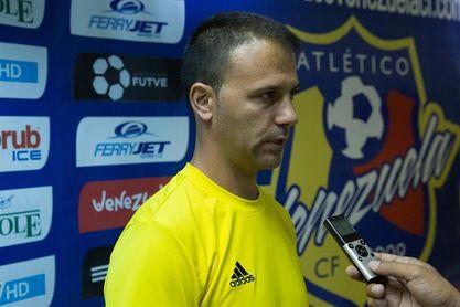 El Táchira anuncia al español Alex Pallarés como nuevo entrenador