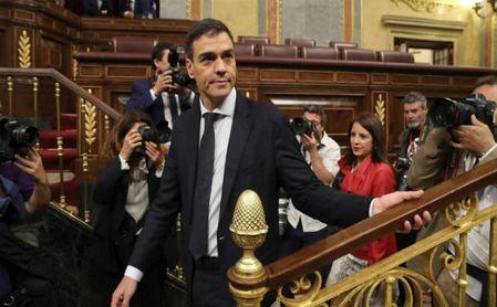 Pedro Sánchez entra en el hemiciclo.