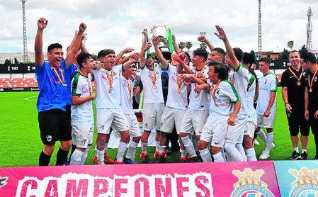 La selección andaluza levantó el título del Campeonato de España sub 16.