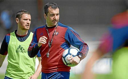 Diego Martínez, que no seguirá en el Osasuna, dirigirá al Granada.