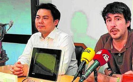 Yung Gon Park, presidente del Écija, y José Juan Trigás, consejero delegado.