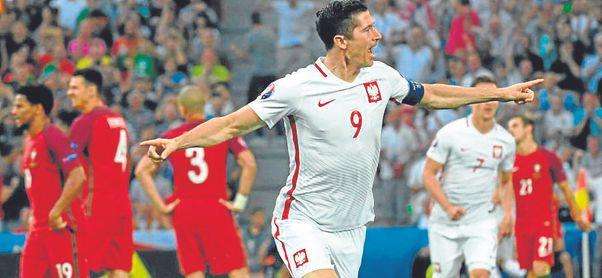 Lewandowski, a por gloria doce años después