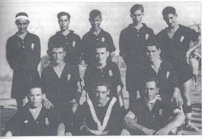 La imagen principal es la más longeva que se conserva del Calavera (1930/31). Abajo, diversas fotografías históricas del club del año 1942, 1989 y 1960.