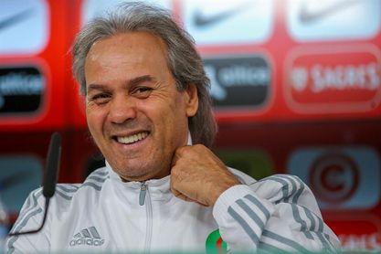 La federación argelina de fútbol destituye al seleccionador Rabah Madjer