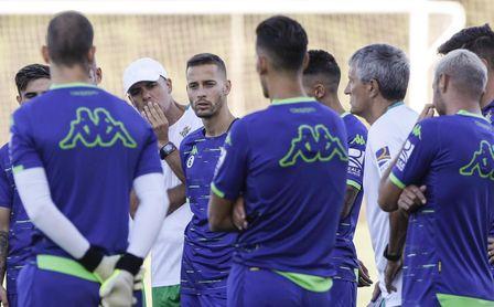El Real Betis se ejercita con vistas a preparar su primer encuentro de pretemporada.