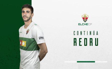 Imagen del cartel que anuncia la renovación de Redru con el Elche por una temporada más.