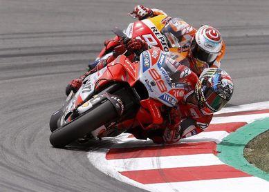 Lorenzo encabeza el ataque de Ducati