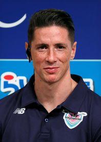 Fernando Torres se presenta ante su nueva afición como jugador del Sagan Tosu