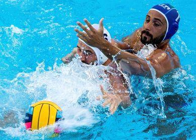 Italia supera a Hungría y se acerca a los cuartos de final