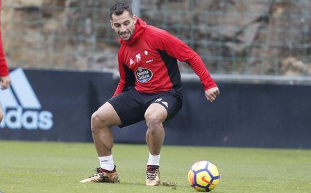 Jonny, que cuenta con ofertas de Real Betis y Atlético de Madrid, durante un entrenamiento con el Real Celta.