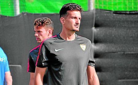Álex Muñoz, en el ´stage´ del primer equipo en Benidorm.