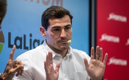 Casillas muestra en redes sociales su apoyo al portero Karius