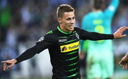 Thorgan Hazard -quien está en la órbita del Sevilla- durante un partido con el Monchengladbach.