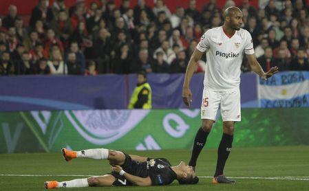 Steven Nzonzi durante un partido con el Sevilla FC.