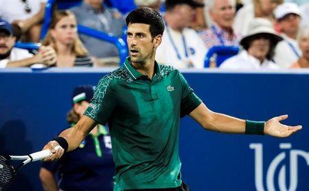 Djokovic endereza su duelo con Mannarino para llegar a octavos