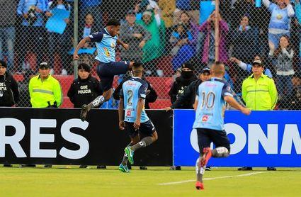 El argentino Tévez anota y consolida el liderato del Macará en el fútbol en Ecuador