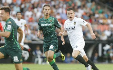 Valencia 0-0 Real Betis: Un Betis con cuajo saca un meritorio empate en Mestalla
