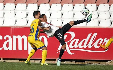 Boutobba no ha mostrado en el Sevilla lo que prometía.