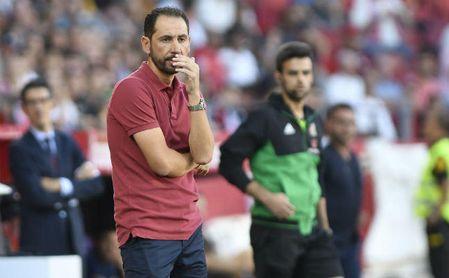 Pablo Machín, pensativo, durante el Sevilla-Celta.