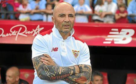 Jorge Sampaoli, en el banquillo del Sevilla en la temporada 16/17.