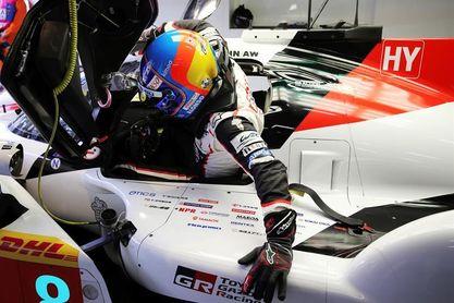 Alonso vuela en espera de reforzar su liderato en Fuji