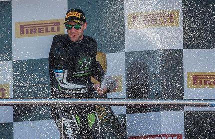 Jonathan Rea extiende a nueve su serie de triunfos en el Mundial de Superbike
