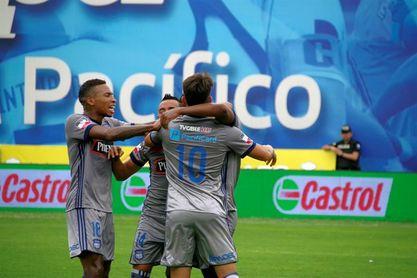 El campeón, Emelec, frena a Macará, que comparte liderato con Delfín y Liga